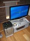 Skromná televize, Windows Media Center Extender a  Xbox 360 ukrývající se v ložnici Superbytu :)